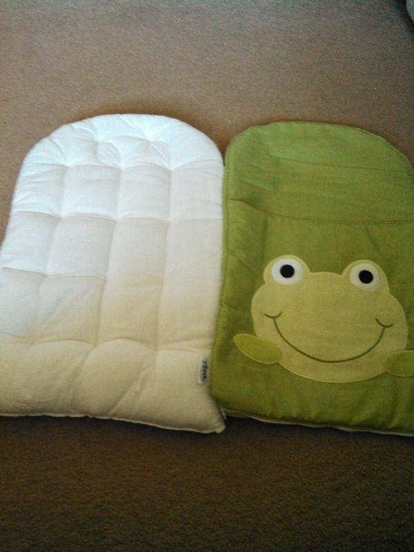 Cómo hacer una almohada de apoyo bebés
