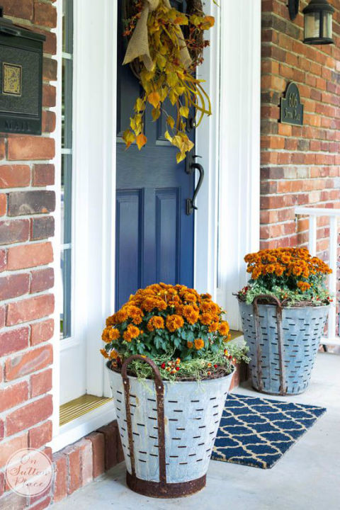 Embelleciendo De La Puerta Principal con Flores