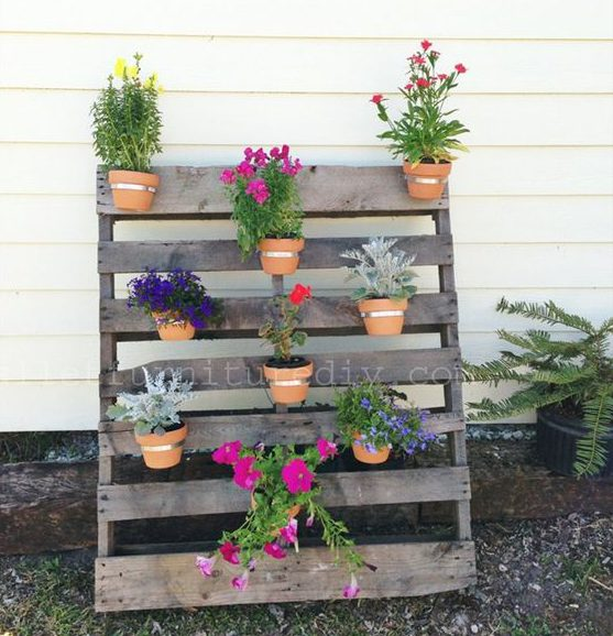 Jardines verticales con palets affordable jardin vertical for Como hacer un jardin vertical con palets