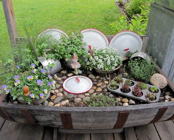 17+ Ideas Originales para Decorar el Jardin con Utensilios de Cocina Viejos