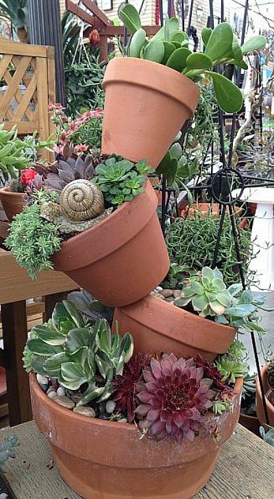 15+ Impresionantes Maceteros Apilados para Decorar con Plantas