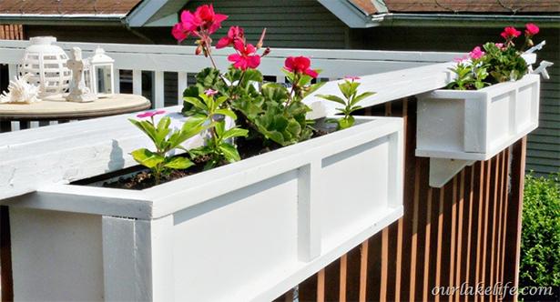 Originales Balcon con Cajas de Flores