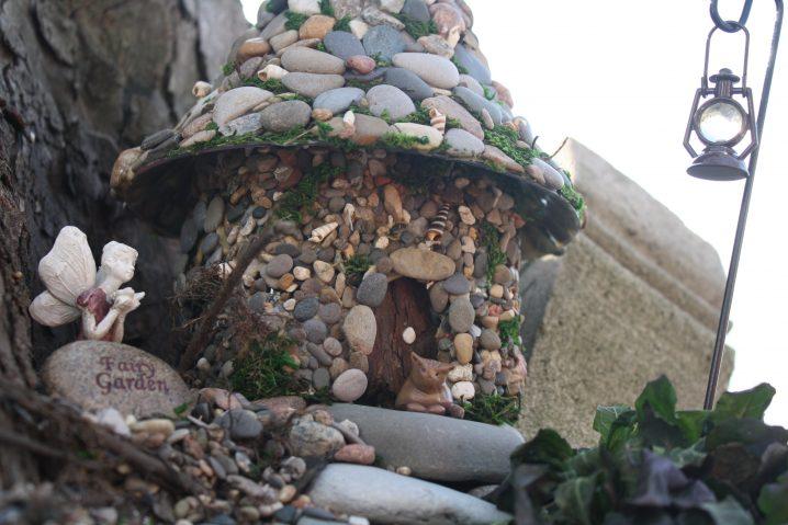 15+ Fascinantes Casas de Piedra en Miniatura para Embellecer el Jardín