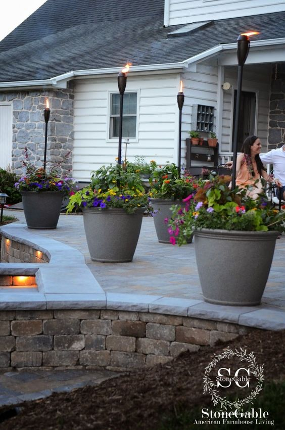 15 maravillosas ideas para decorar patios y terrazas con for Ideas de patios y terrazas