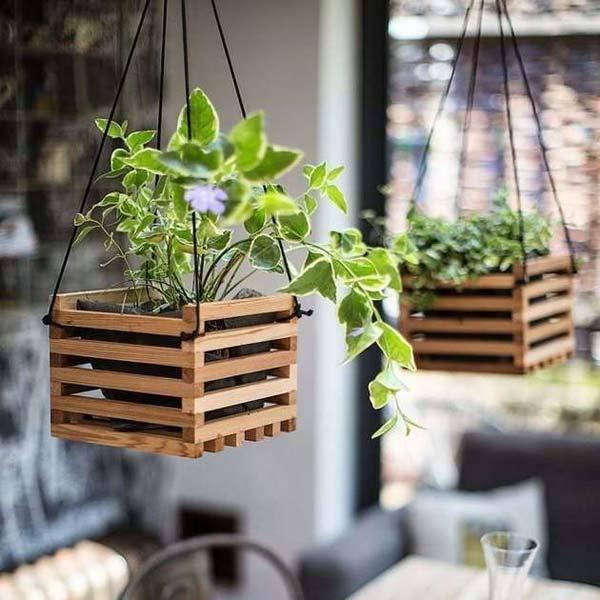 13 fant sticas ideas para decorar tu jard n con cajas madera for Ideas con cajas de madera