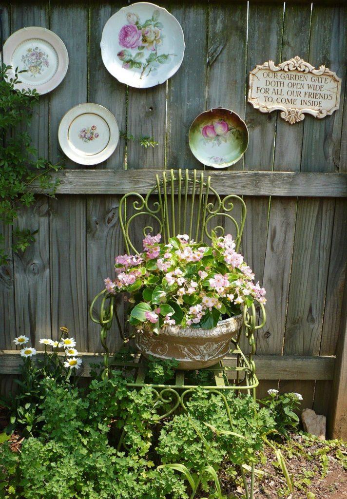 20 ideas geniales para decorar jard n con art culos de cocina for Articulos para decorar jardines